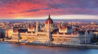 bellarome-italian-vacations-budapest-sunset